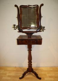 Antieke Hollandse spiegel op driepoot