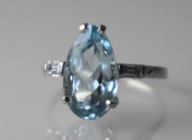 Art Deco platina ring met natuurlijke aquamarijn en diamant