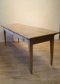 Antieke Franse tafel