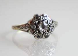 Antieke goud met zilveren rozetring met roosdiamanten