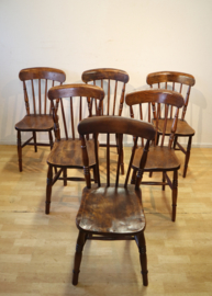 Zes antieke Windsor stoelen