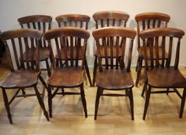 Set  van 8 antieke Windsor stoelen