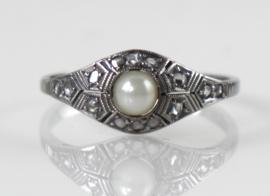 Antieke gouden Art Deco ring met roosdiamanten en parel