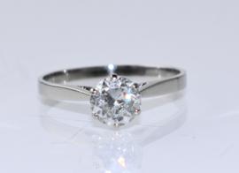 Vintage witgouden solitairring met grote diamant