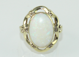 Vintage gouden ring met opaal