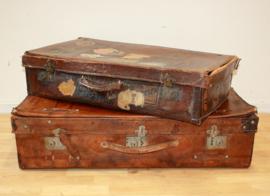 Twee oude lederen reiskoffers