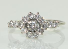 Vintage 18 karaat gouden bloemvormige ring met diamanten