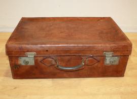 Oude lederen Engelse reiskoffer