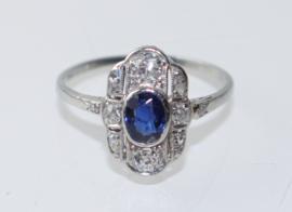 Antieke Art Deco ring 18kt witgoud en platina met saffier en oudslijpsel diamant