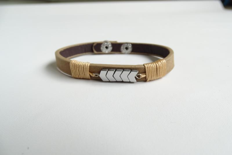 Bruin, leren armband 'arrows'