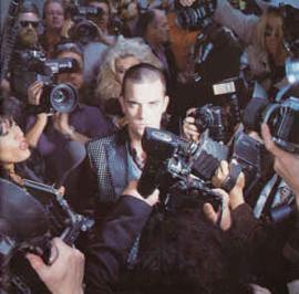 Robbie Williams – Life Thru A Lens (CD)