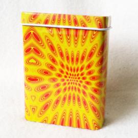 Sigarettendoosje geel/oranje motief - D12726