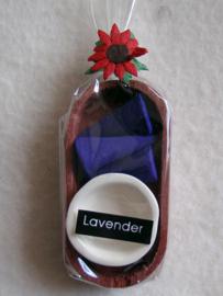 Wierook in houten bakje, lavendel