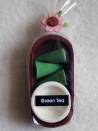 Wierook in houten bakje, green tea