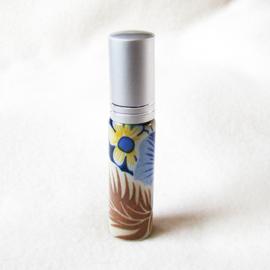 Parfumverstuiver met blauw/geel/bruine bloem - D11599i