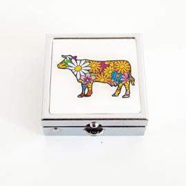 Pillendoosje koe met bloemetjes - D13354