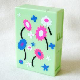Sigarettendoosje dispenser box groen, met roze, witte en blauwe bloemen - D11787