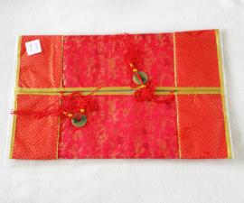 Tissuehoes rood met Chinese tekens - D12520