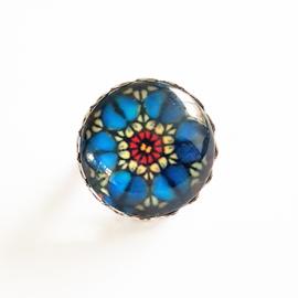 Broche bloem blauw, rood, wit (zilverkleur) - TSH00002a