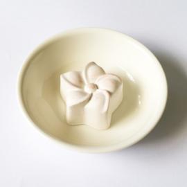 Geursteentje witte bloem - D12335