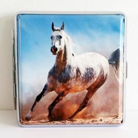 Sigarettenkoker wit paard met blauwe lucht - D12995