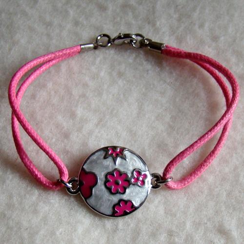 Voorbeeld armband met tussenzetsel.
