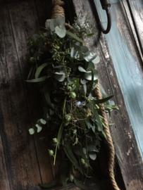 Workshop stoere kleine toef met Eucalyptus, Distel en Hortensia