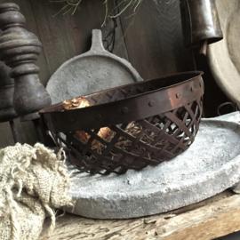 Iron Basket 31cm drsn.