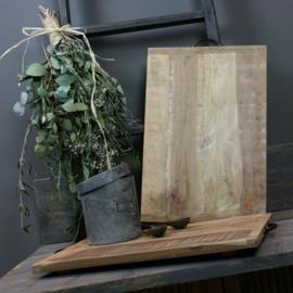 Broodplank met ijzeren handvaten