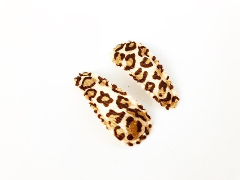 Haarspeldjes leopard satijn beige