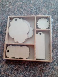 CraftEmotions Houten ornamenten doosje labels 20 pcs - box 10,5 x 10,5 cm 811500/0201