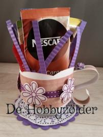 Koffie kop en bonbondoosje voor Juffrouw Marcella