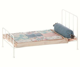 MAILEG METALEN BED ROOMWIT MEDIUM