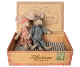 MAILEG | Vader & moeder muis in sigarendoos