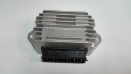 Spanningsregelaar Piaggio Sfera 50/Zip 50/quartz 50  (2-takt modellen)