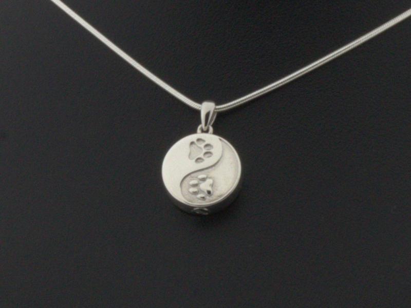 Zilver (925) As hanger Ying Yang met pootjes aan beide zijden