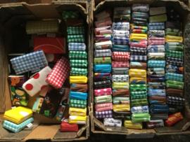 Zakdoekjes,10, in gekleurd hoesje