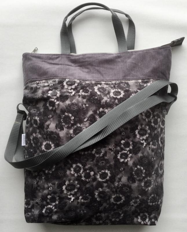 Tas met lang en kort hengsel, 42x47(33)cm, fluweel en ribfluweel.