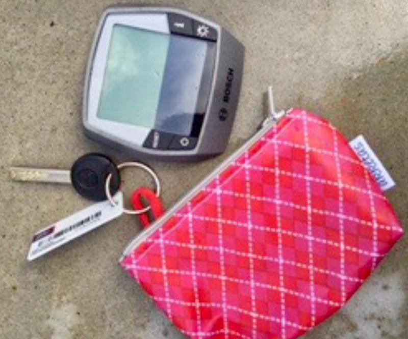 Portemonnee met sleutelring,ook nog ruimte voor geld of fietscomputertje!