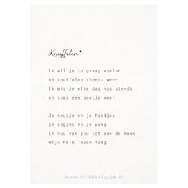 Luxe ansichtkaart 'Knuffelen'