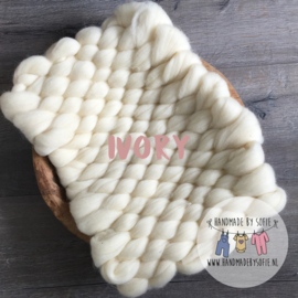 Bump Blanket - Ivory - RTS