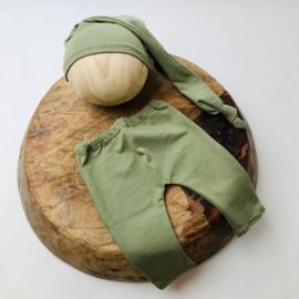 Newborn - Pants & Hat  - olive