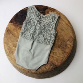 Newborn Romper stretch - Sage green Lace