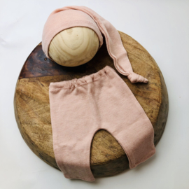 Newborn - Luxery Collection Pants & Hat  -Rose
