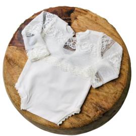 Newborn Romper - April Collection - Ecru lace lange mouw