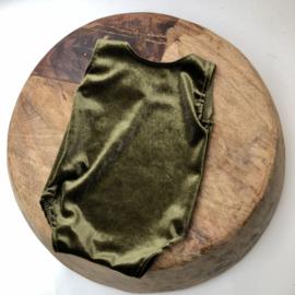 Newborn Romper velvet - Old Green