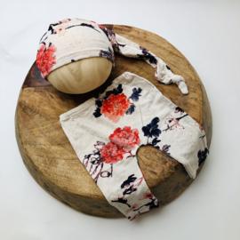 Newborn - Pants & Hat  - Flower creme