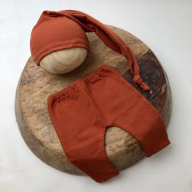 Newborn - Pants & Hat  - brick