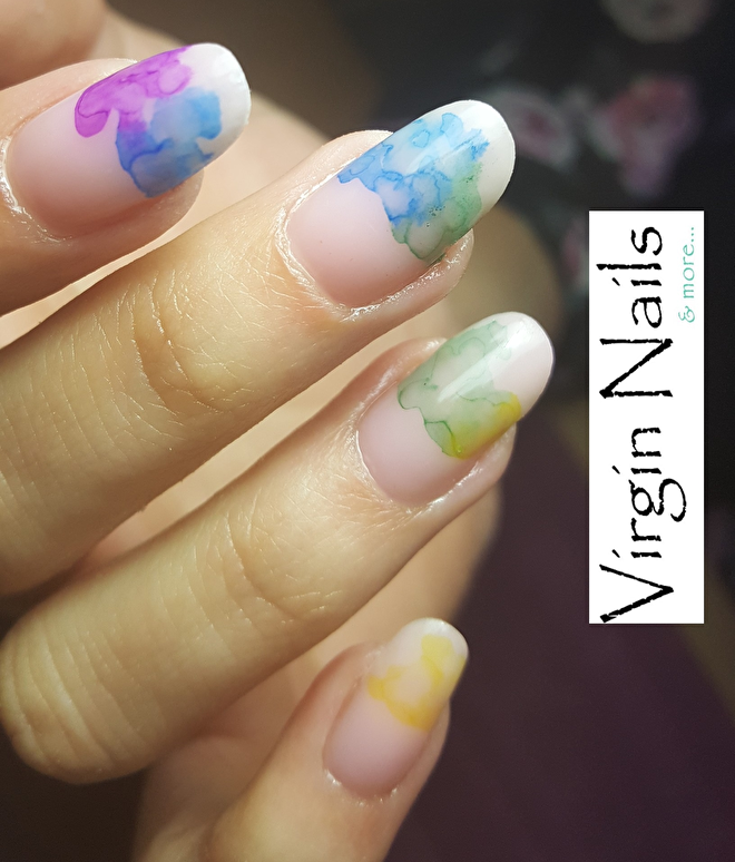 marble ink nailart
