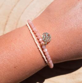 Armbandje met Roze Maansteen en glaskraaltjes